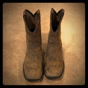 Ariat sz 1 youth boots
